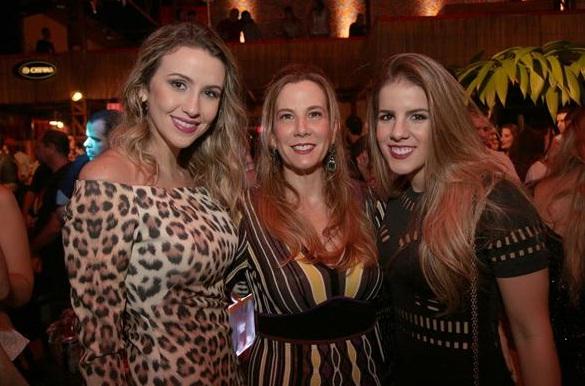 Bruna Monteiro, Andrea e Vitória Pinteiro - Crédito: Charles /Divulgação