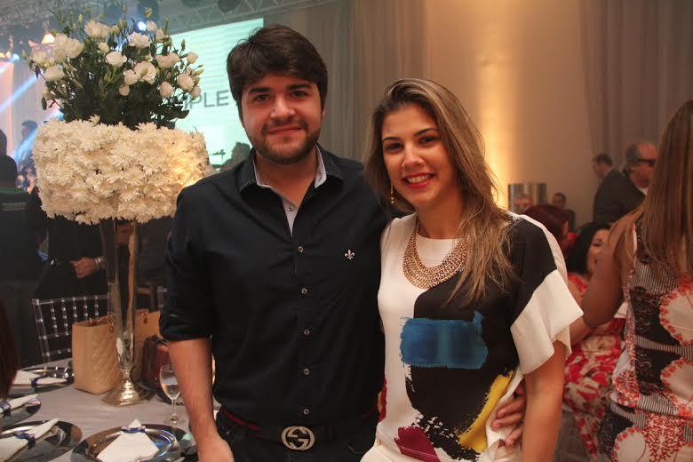Carlos Eugênio e Kariane Arcoverde Crédito: Allan Torres/Esp. DP/D.A.Press.