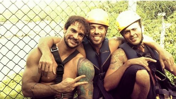 Rodrigo Carvalho, Mau Mau e Leidson Melo em Calhetas Crédito: Instagram