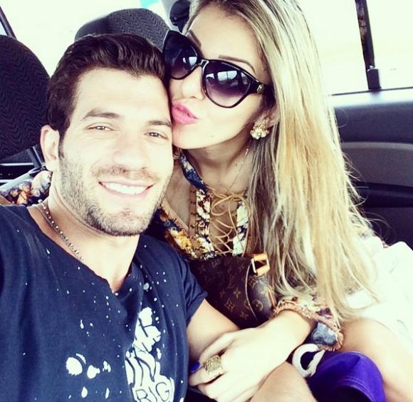 Tatiele Polyana e Roni estão em Porto de Galinhas Crédito: Instagram