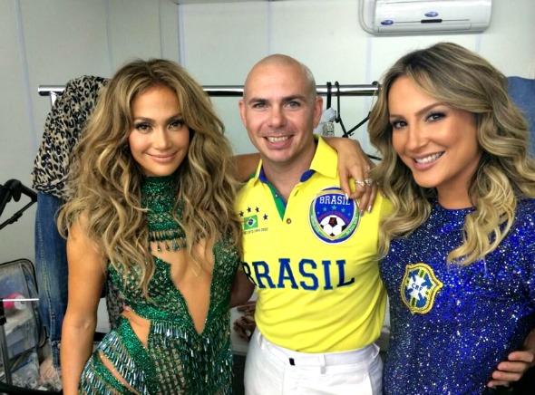Jennifer Lopez, Pitbull e  Claudia Leitte Crédito: Twitter/Pitbull