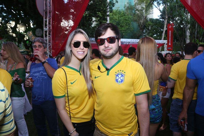 Eduarda Lobo e Rodrigo Carvalheira Crédito: Humberto Reis e Duda Carvalho/ Comunnik