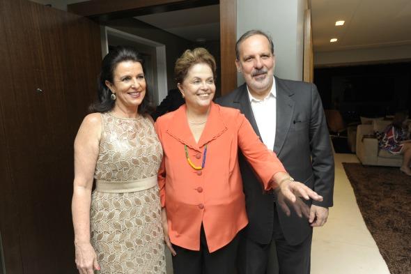 Monica Guimarães, Dilma e Armando Monteiro Neto - Crédito: Leo Caldas/Divulgação