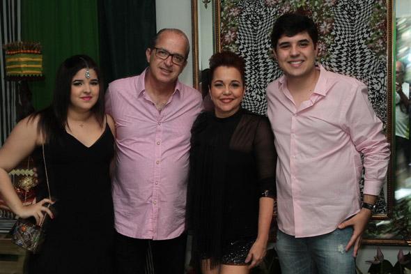 Beatriz, Mauro, Cláudia e Bruno Alencar Crédito: Nando Chiappetta/DP/D.A Press