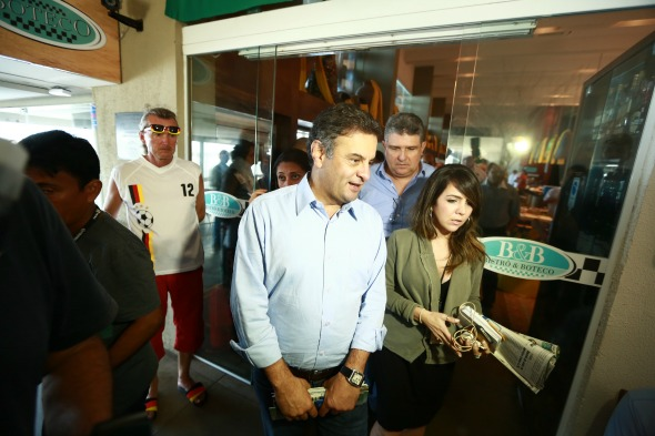 Aécio Neves trocou o almoçoi no Mercado da Boa Vista pelo Boteco Marco Zero  - Crédito: Bernardo Dantas/ DP/D.A Press