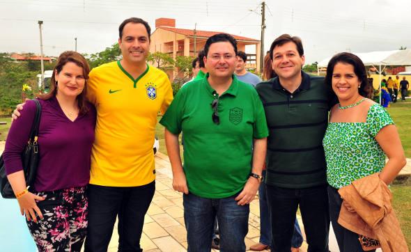 Ana Luiza e Paulo Câmara, Antônio Campos, Geraldo Julio e Cristina Melo