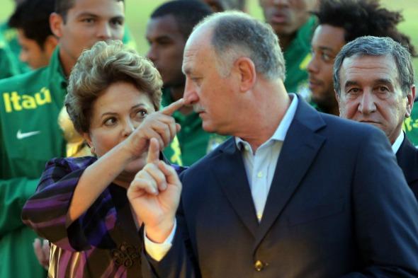 Dilma Rousseff enviou presente para Luiz Felipe Scolari - Crédito: Tânia Monteiro, Agência Estado