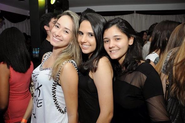 Gabriela Brito, Maria Eduarda Acioli e Jaqueline Freire-  Crédito: Gabriela Pontual/Divulgação