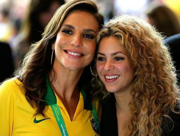 Ivete Sangalo e Shakira - Crédito: Reprodução do Facebook Ivete News