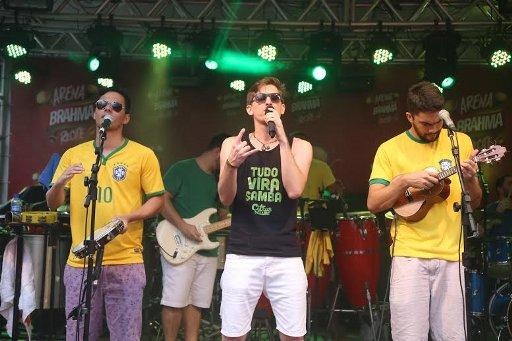 Banda Citrus Clube abriu a festa na Arena Brahma Barchef. Fotos: Humberto Reis/Divulgação