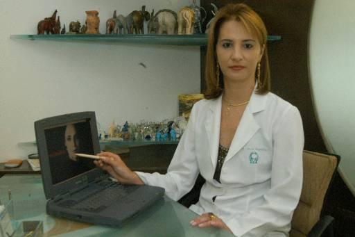 Dermatologista Cláudia Magalhães - Crédito: Júlio Jacobina/DP