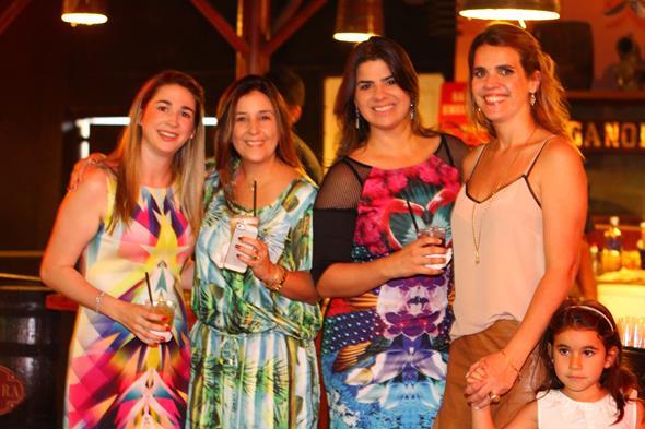 Eduarda Petribu, Mariana Russo, Mariana Pita, Marcia Wiethaeuper - Crédito: Paulo Paiva/DP/D.A Press
