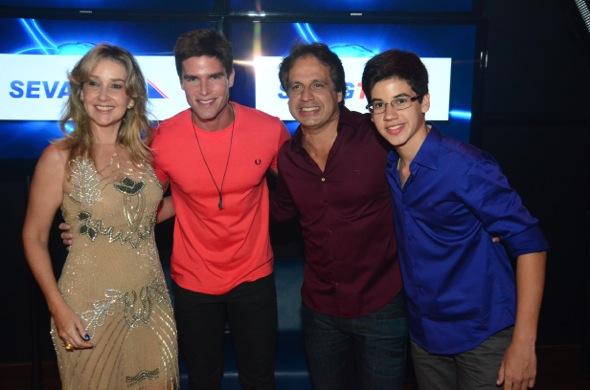 Silvana e Sérgio Arruda, da Sevag, com o ator Jonatas Faro - Foto: Cortesia