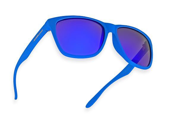 O modelo azul espelhado é um dos mais pedidos - Foto: Chilli Beans/Cortesia