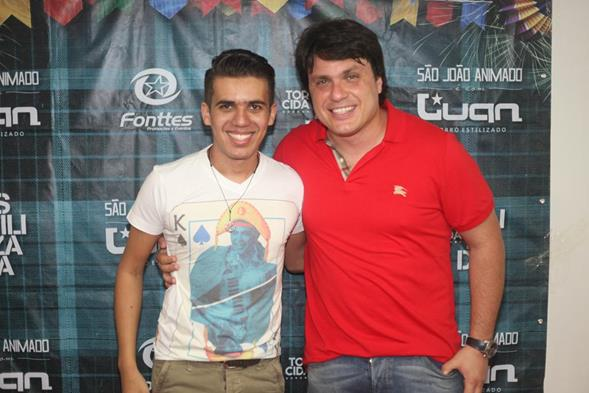 Luan Estilizado com o produtor Thiago Figlioulo - Crédito: Vinícius Ramos/Vagalume Comunicação