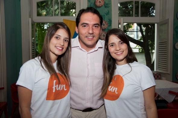 Camila Gusmão, Pedro Frej, da NET, e Mariana Gusmão - Crédito:  Gabriel Pontual/Moove Comunicação