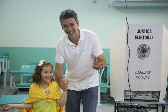 Felipe Carreras e sua filha - Crédito: Arquivo pessoal / Divulgação