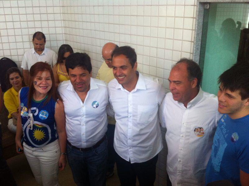 Taciana e Mendonça Filho com Paulo Câmara e FBC. Crédito: Wagner Oliveira / DP / D.A Press