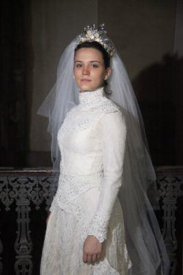 Açucena vestida de noiva em Cordel do Fogo Encantado. Crédito: Globo / Divulgação