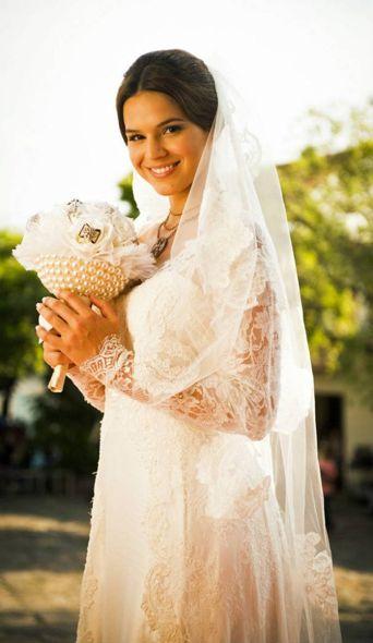 Bruna Marquezine vestida de noiva para casar com laerte. Crédito: Globo / Divulgação