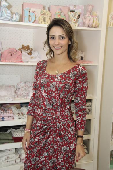 Carol Rigueira foi um das vendedoras por um dia na Maria Antônia Petit. Crédito: Gleyson Ramos / Divulgação