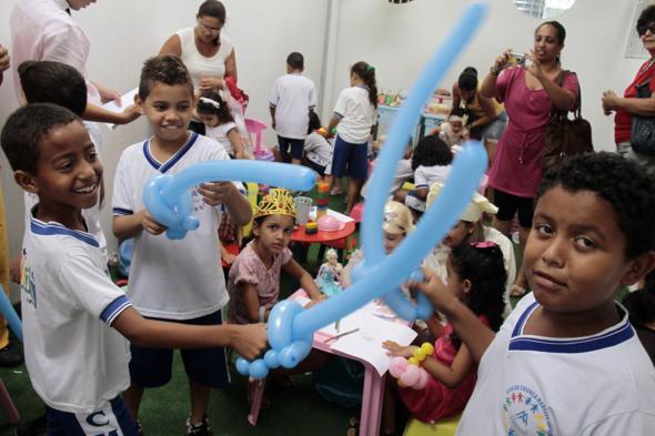 Cianças da creche Marcelo Asfora também participaram da festa na Maria Antônia Petit. Crédito: Gleyson Ramos / Divulgação