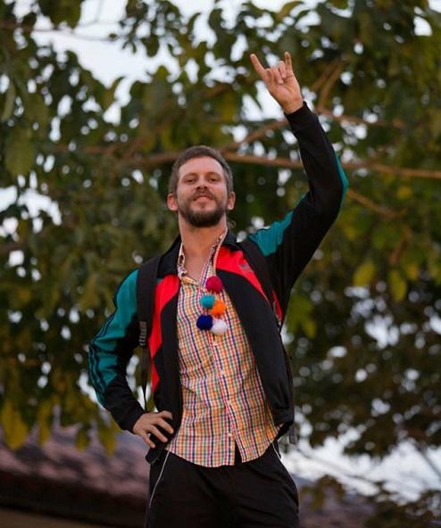 Aslan Cabral comanda mais uma edição da Tropical Absurdo Crédito: Lana Pinho/Divulgação