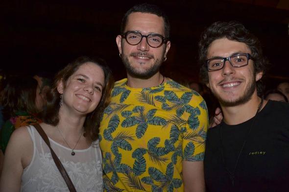 Gabriela Fazio, Peu Lima (Mamelungos), Eduardo Vieira. Crédito: Larissa Nunes