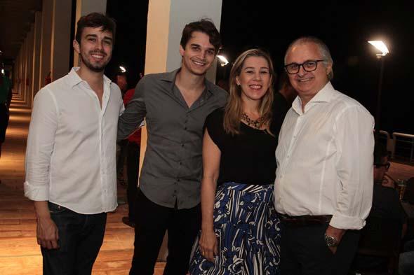 Rafael Lobo, Victor Carvalheira, Germana e Eduardo Carvalheira - Crédito: Nando Chiappetta/DP/D.A Press