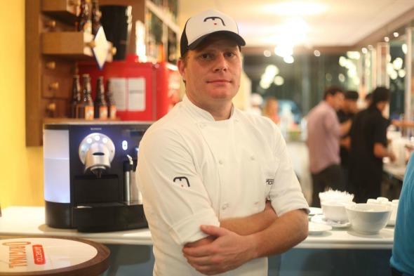 Chef Ricardo Bonomi. Crédito: Vinicius Ramos/ Vagalume Comunicação