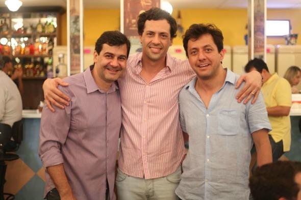 Cristiano Falcão, Rafael Figliolo e Gustavo Satou. Crédito: Vinicius Ramos/ Vagalume Comunicação