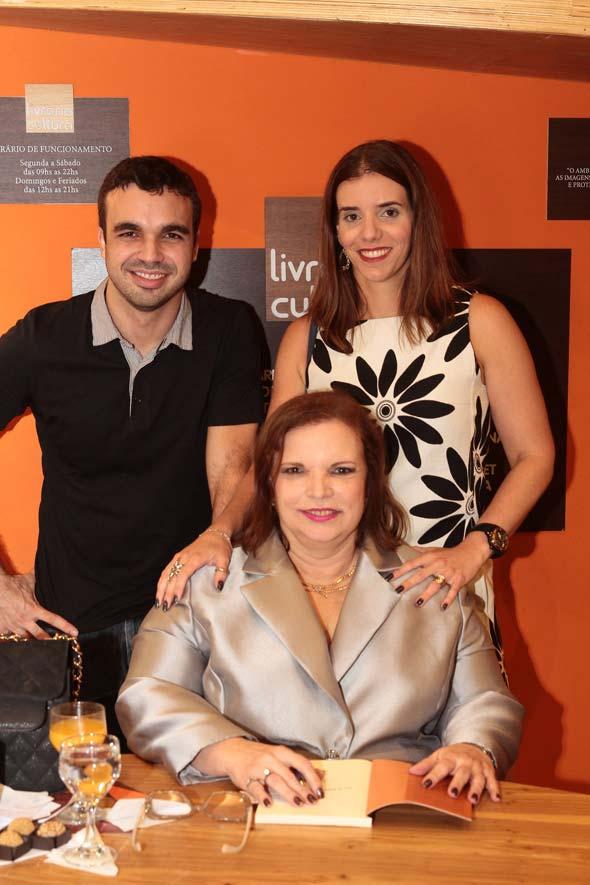 árcio, Sarita Martins e Mirela Martins - Crédito: Nando Chiappetta/DP/D.A Press