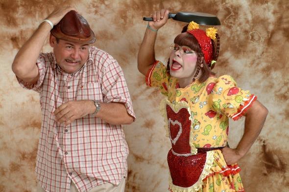 Zé Lezin e Cinderela vão encenar a comédia 'Em Briga de Marido e Mulé ninguém mete...'. Créditos: Ricardo Lopes/Divulgação