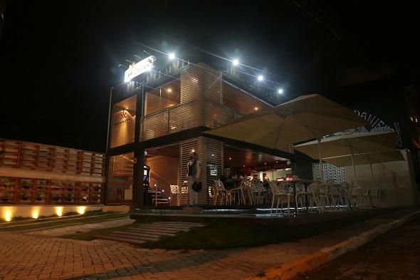 Vaporetto Container Bar. Crédito: Peu Hatz/Agência Fun