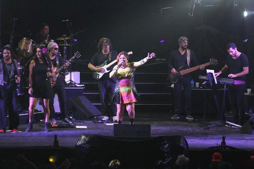 Nena Queiroga fez homenagem a Eduardo Campos durante o show