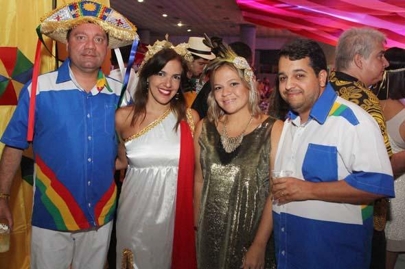 Luciano Gesteira, Roberta Francine, Morgana Alencar e Aldemir Junior - Crédito: Nando Chiappetta/DP/D.A Press