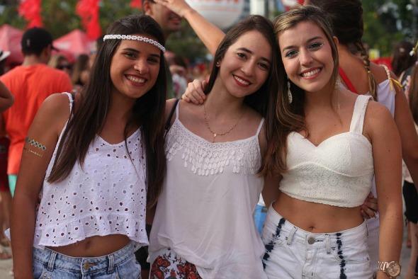 Maria Eduarda Nigro, Germana Cavalcante e Maria Eduarda Trindade. Crédito: Vinícius Ramos/Vagalume Comunicação
