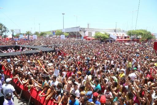 Festa lotou a área externa do Cecon. Fotos: Humberto Reis/Divulgação