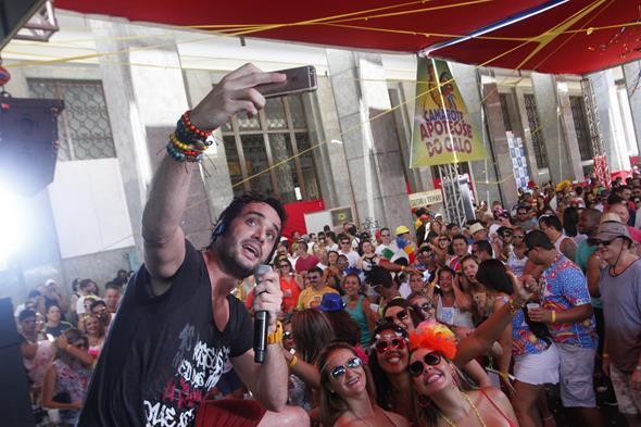 Ramon Schneider fez a festa com os fãs.  Créditos: Ricardo Fernandes/DP/DA.Press