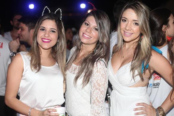 Celina Leal, Anne Sales e Juliane Silva. Crédito: Vinicius Ramos / Divulgação