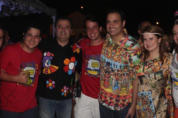 Eduardo Arruda, Danilo Cabral, Marcelo, Paulo Câmara e Ana Luiza. Crédito: Vinicius Ramos / Divulgação