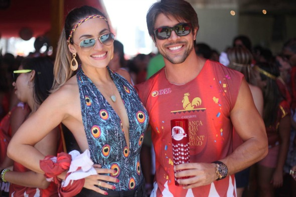 Carolinne Shoeberg e André Stephan. Crédito: Vinicius Ramos/ Vagalume