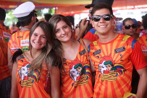 Luisa Mello, Giulia Kanella e Herculano Guaraná. Crédito: Vinicius Ramos/ Vagalume