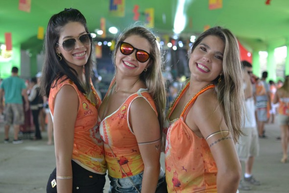 Aurohele Araújo, Giuliana Rocha e Larissa Melo. Crédito: Vinicius Ramos/Divulgação