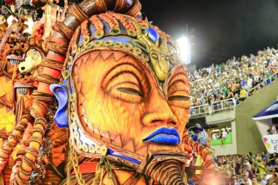 Desfile da Beija-Flor no Carnaval 2015. Crédito: Tata Barreto/Riotur/Reprodução