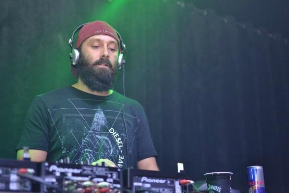 DJ Fernando Marxx. Crédito: Larissa Nunes/Vagalume Comunicação