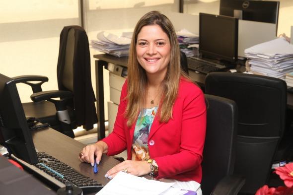 Isadora Maia da ONG Novo Jeito -  Crédito: Julio Jacobina/DP/D.A Press