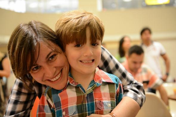 Danielle Viana com o filho João. Crédito: Arquivo pessoal / Divulgação