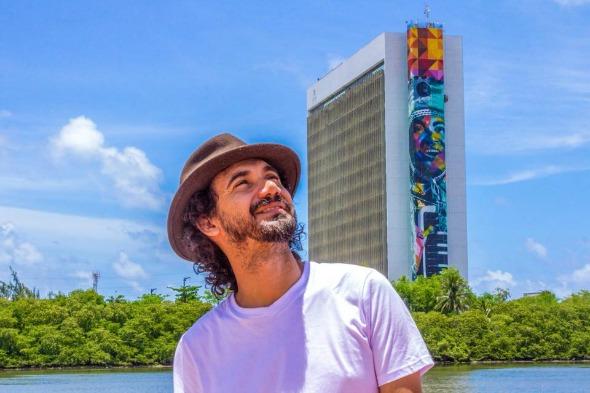 Painel em homenagem à Luiz Gonzaga assinado por Kobra. Crédito: Reprodução Facebook