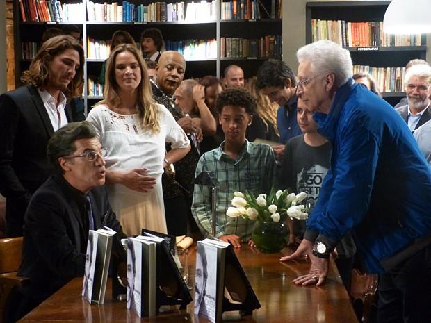 Aguinaldo Silva em cena no último capítulo de Império - Foto: Tatiana Helich/Gshow